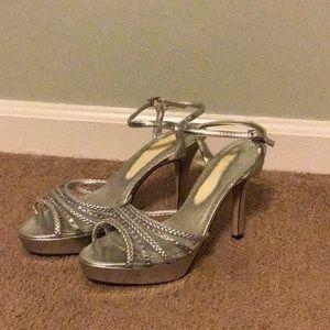 Silver strappy heel